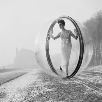 melvin sokolsky bubble series paris street scene, 60s fashion photography